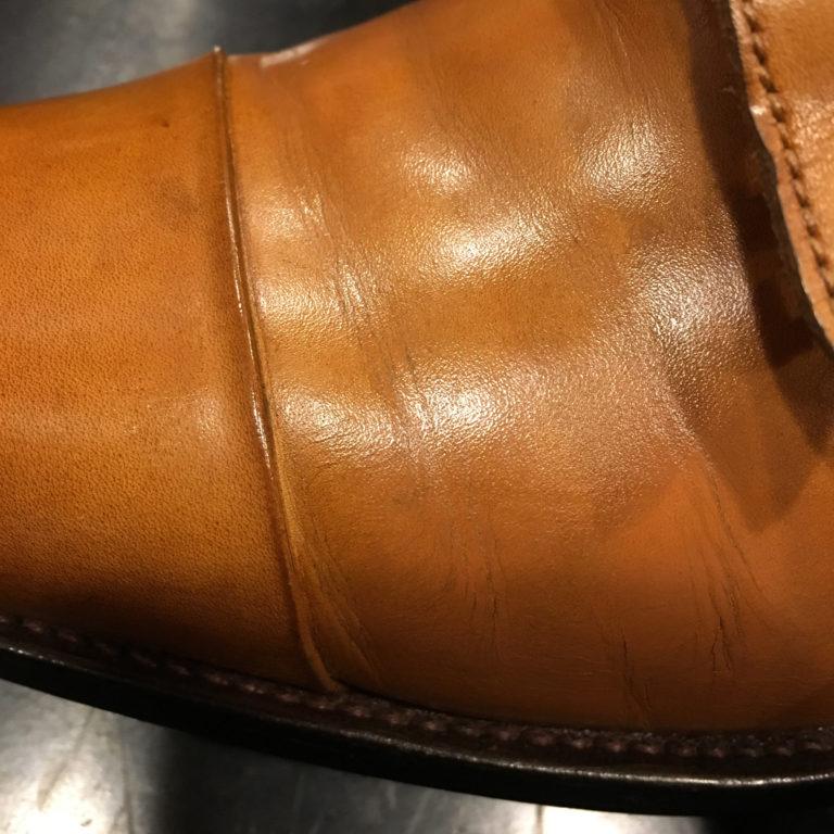 靴修理革靴のひび割れ