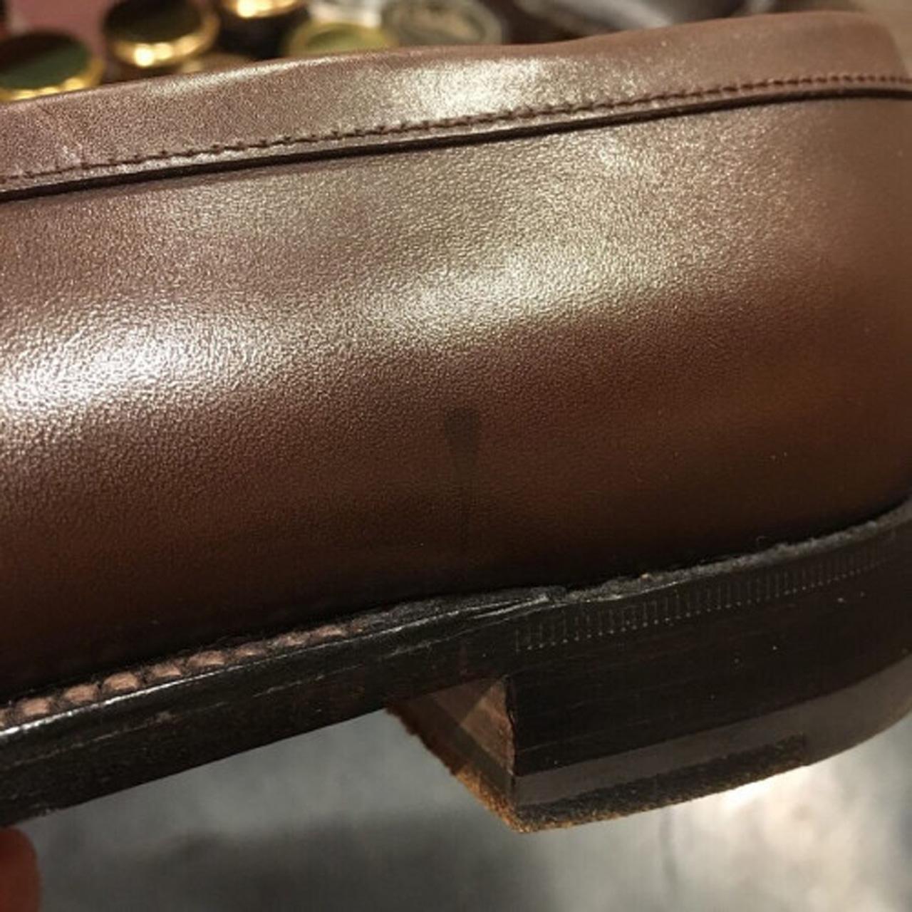 靴磨き油シミ