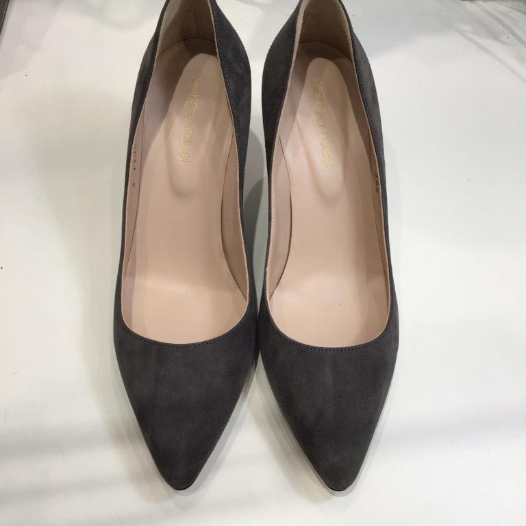 靴磨きスエードメンテナンス