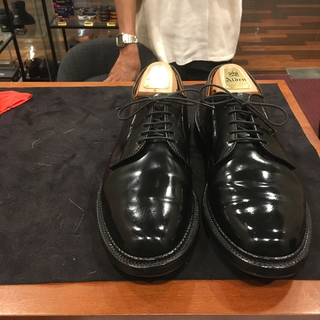 名古屋の靴磨き教室なら当店で!