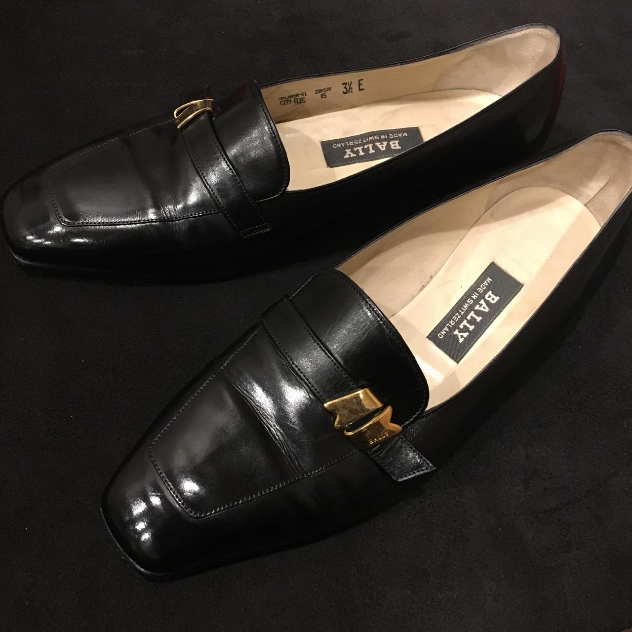 バリーのヒール交換と靴磨きを行いました