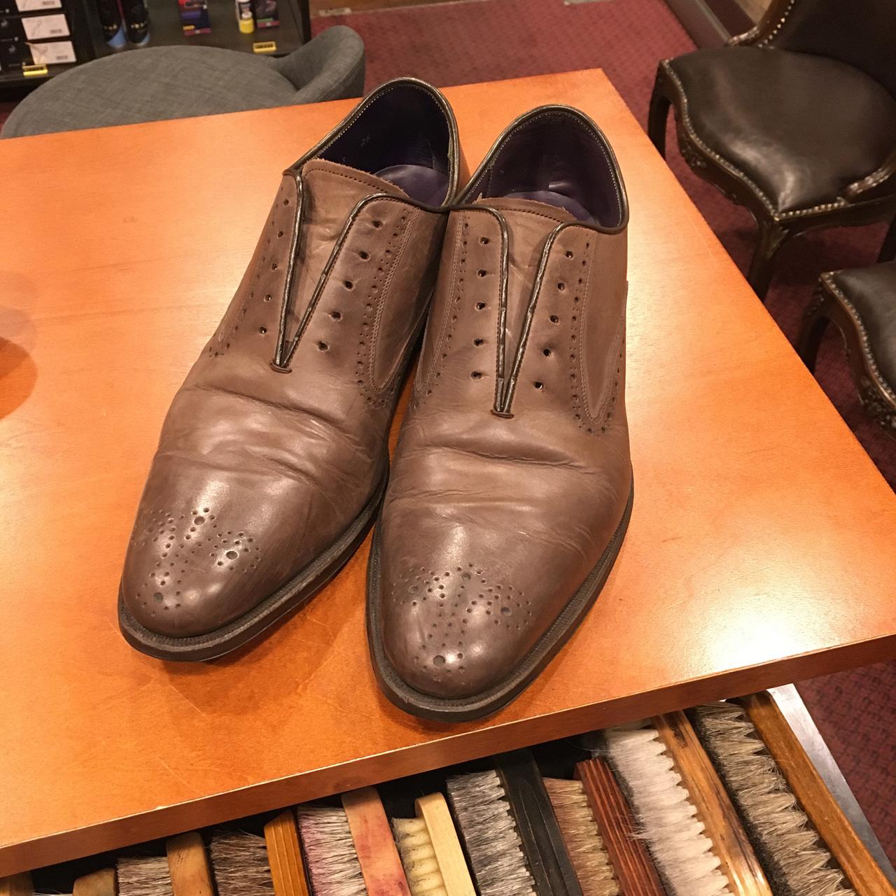 リーガルトーキョーの靴を完全復活させヒール交換も行いました