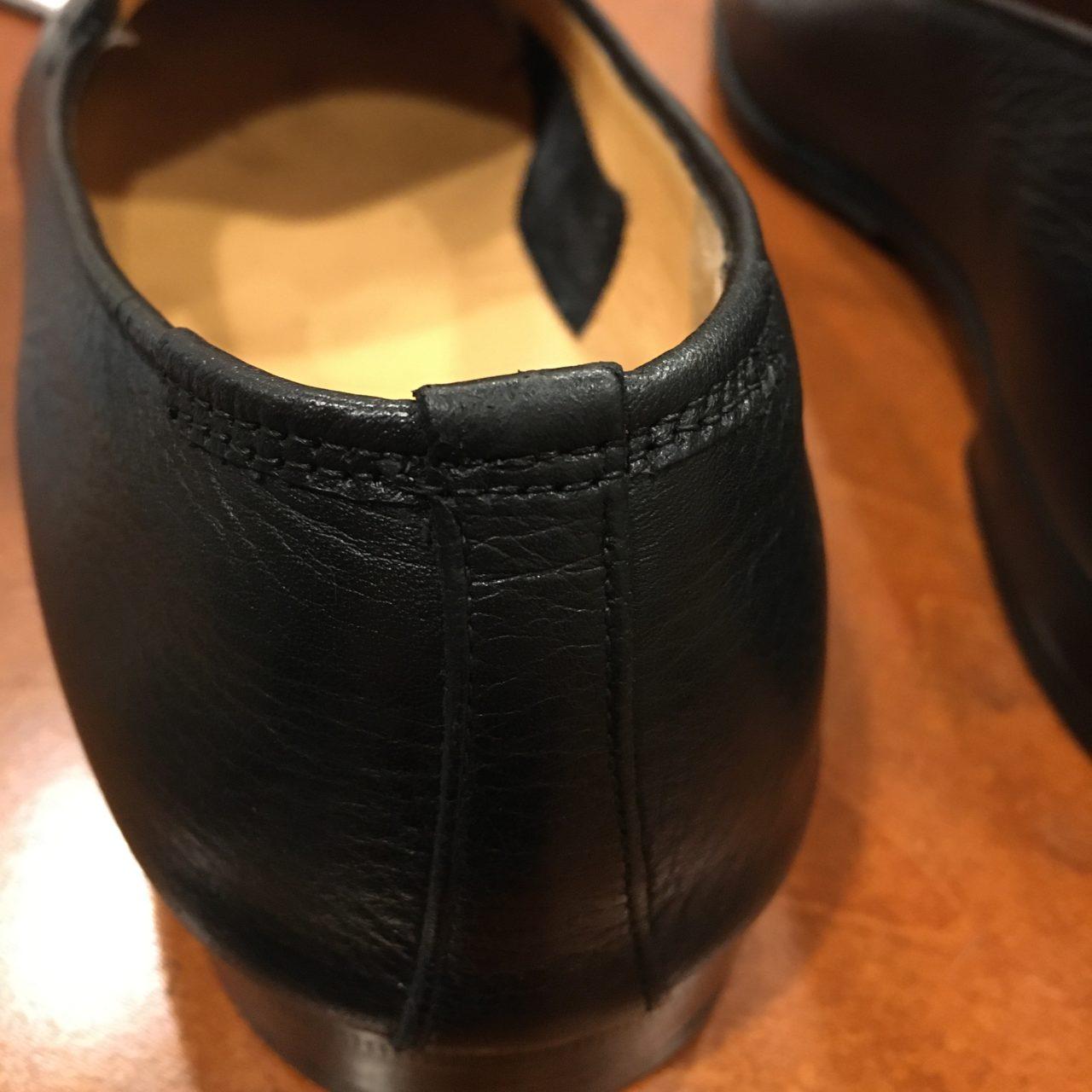 靴の履き口に革を巻いて修理しました。