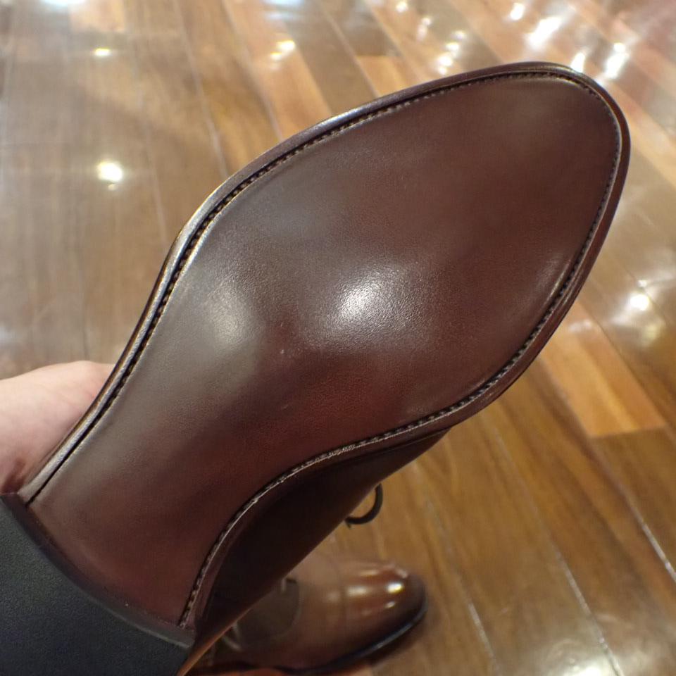リーガルのオールソールと靴磨きを行いました