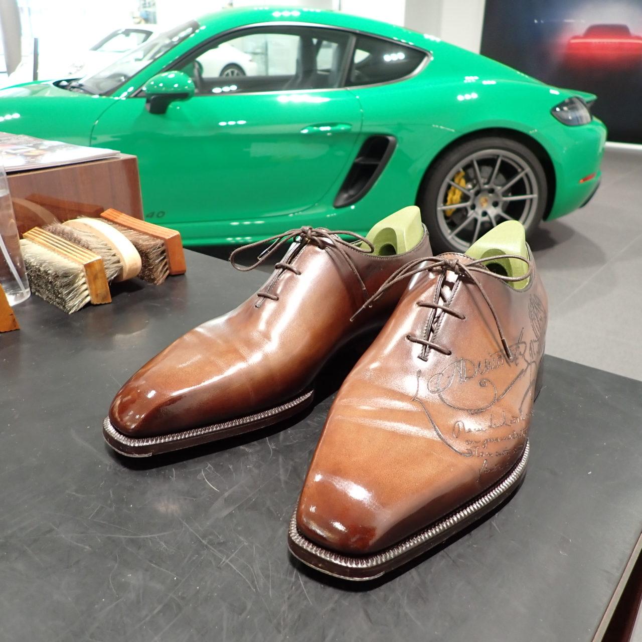 ポルシェセンター長久手様にて靴磨きイベントでした。